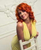 Annet sexy redhead